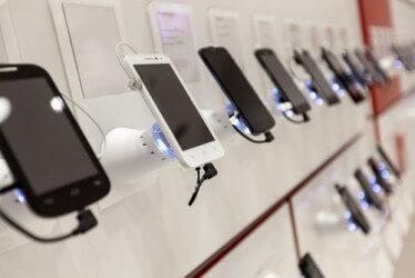 Nederlandse telefoon- en sim only abonnementen iets goedkoper