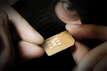 """Telecomproviders: """"Klant kan maatregelen nemen om sim swapping te voorkomen"""""""